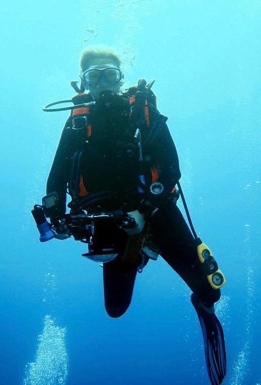 Marjolein van Laere diving